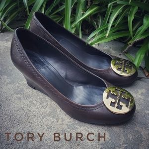 TORY BURCH Brown leather Chelsea Logo Wedges 6.5